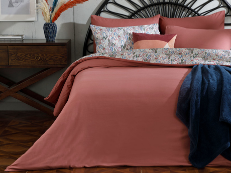 Picture of Flowing Cottony Double Person DUVET COVER SET PACK 200x220 cm. Rose Color